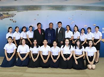 มหาวิทยาลัยราชภัฏสวนสุนันทา ศูนย์การศึกษาจังหวัดอุดรธานีเข้ามอบอบกระเช้าของขวัญแด่ นายกองค์การบริหารส่วนจังหวัดอุดรธานี เนื่องในโอกาสวาระดิถีขึ้นปีใหม่ พ.ศ. 2562