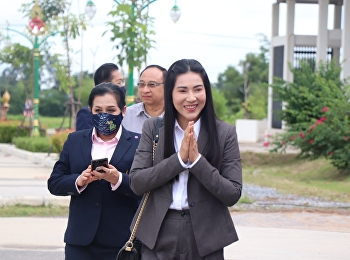 Dr. Chutikan Srivibul, Acting President of Suan Sunandha Rajabhat University with management team visited Udon Thani Education Center Suan Sunandha Rajabhat University With a faculty member Welcome students